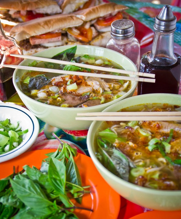 Bataan-Lolengs-Hu-Tieu-an-Vietnamese-food-e1460113717257